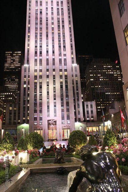 Jardines y fachada de Rockefeller Center