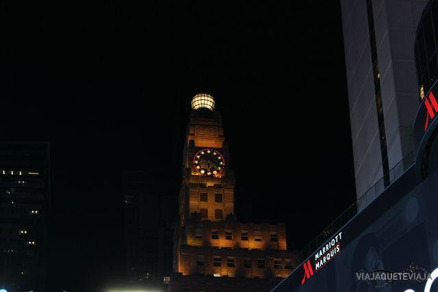 Times Square noche 2
