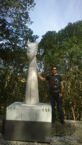Esculturas paseo subida a Quinta Da Regaleira